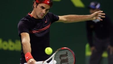 Federer beats Seppi in Doha