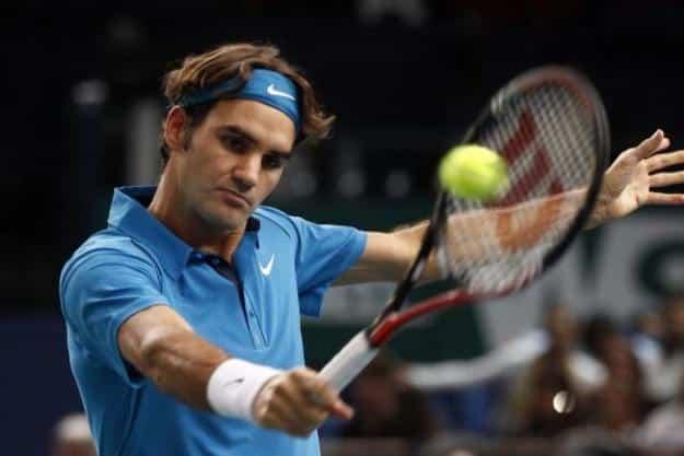 Federer defeats Mannarino