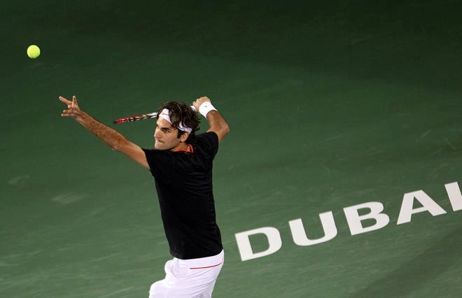 Federer defeats Lopez in Dubai