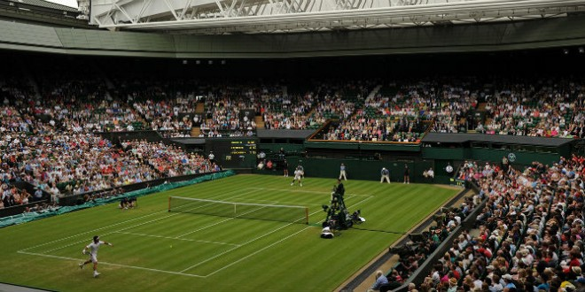 Federer defeats Fognini at Wimbledon