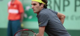 Federer defeats Goffin in Paris
