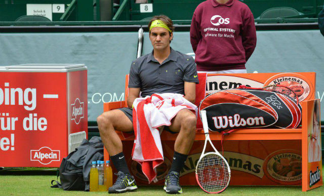 Photo of Haas defeats Federer to win in Halle