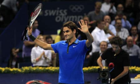 Federer defeats Paire in Basel