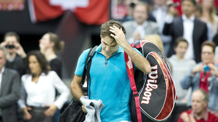 Federer Crashes to Benneteau in Rotterdam