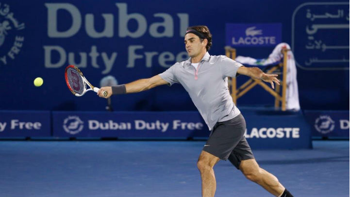 Federer defeats Davydenko in Dubai