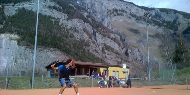 Federer Practicing in Switzerland 2013