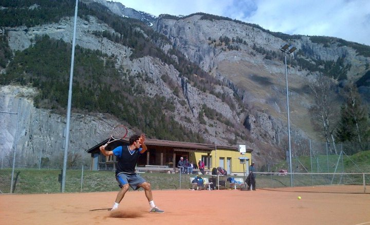 Federer Practicing in Switzerland 2013