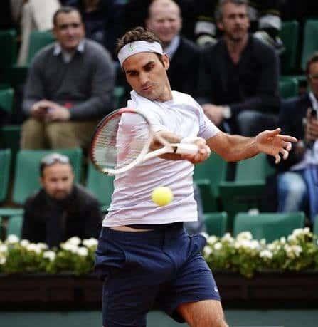 Federer defeats Devvarman