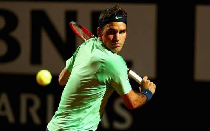 Federer defeats Simon in Rome