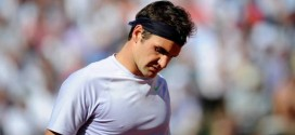 Federer Crashes to Tsonga at French Open