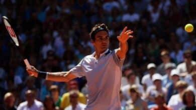 Federer Crashes to Delbonis in Hamburg