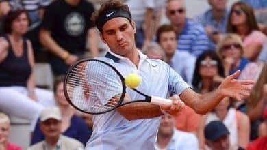 Federer defeats Mayer