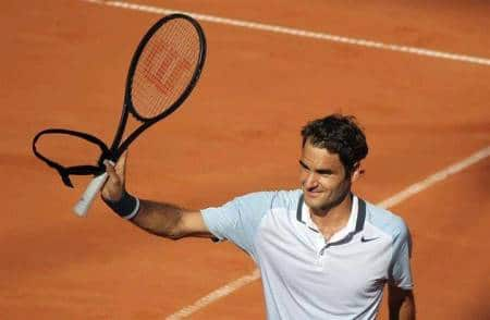 Federer defeats Mayer Hamburg