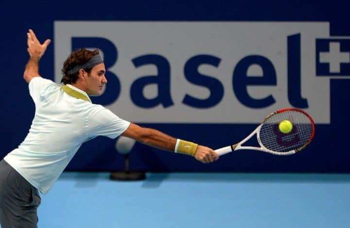 Federer defeats Istomin in Basel