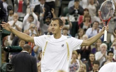 Rosol defeats Nadal