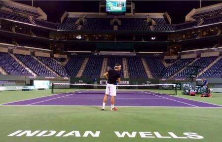 Centre Court all to himself