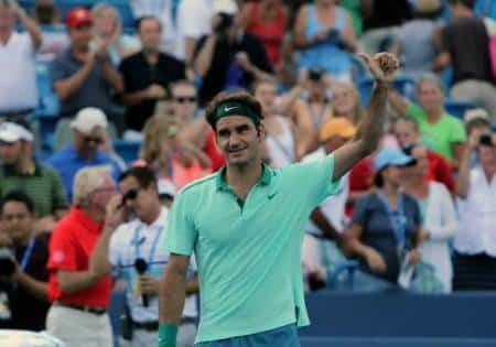Federer defeats Monfils Cincinnati