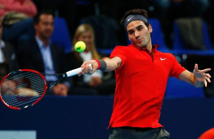 Photo of Federer Sees Off Istomin Challenge in Basel