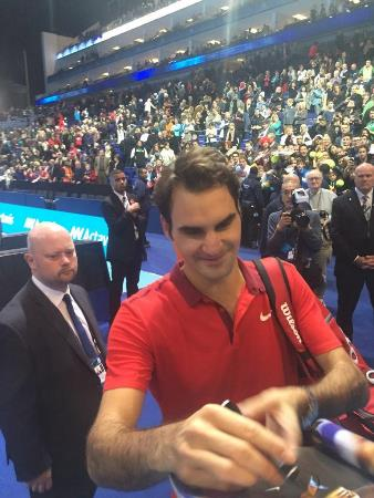 Fed Signing Autograph O2
