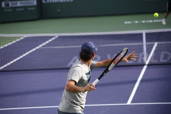 Federer practicing in stadium 2.