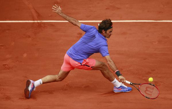 Federer Defeats Dzhumur French Open 2015