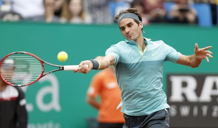Photo of Federer Defeats Schwartzman to Make Final in Istanbul