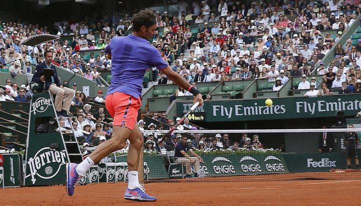 Photo of Federer Makes Positive Start at French Open