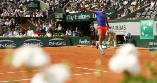 Federer defeats Dzhumur Roland Garros