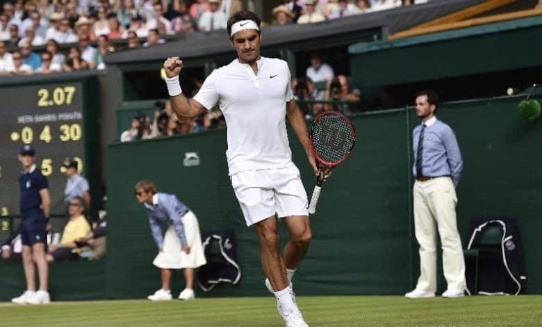 Federer into 10th Wimbledon Final