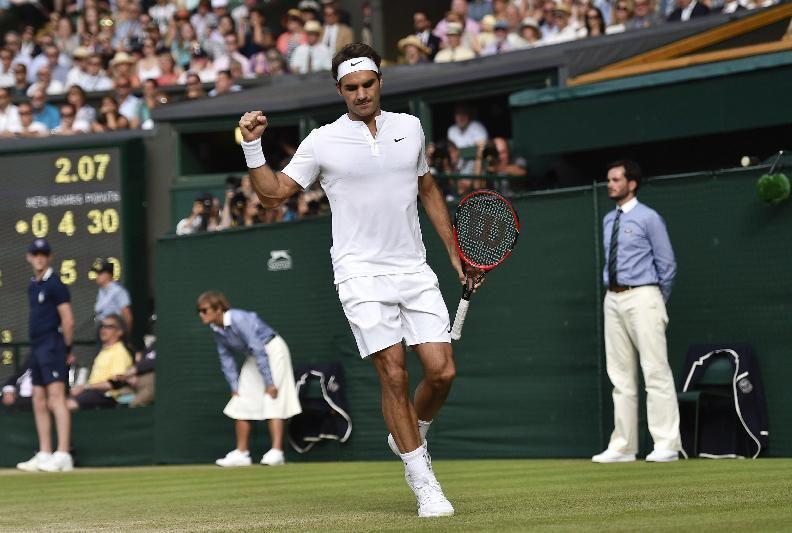 Federer into 10th Wimbledon Final