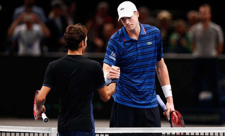 Isner Defeats Federer Paris