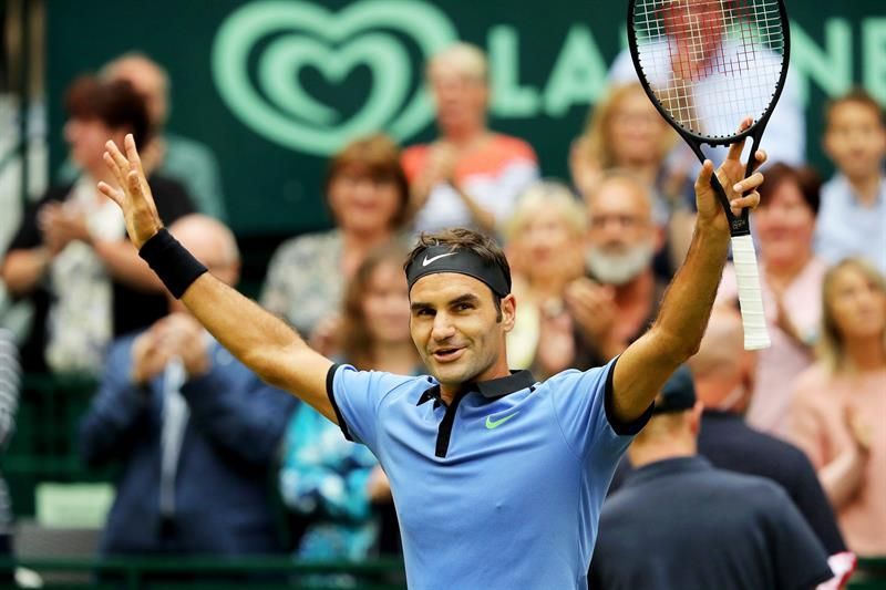 Federer reaches 11th Halle final after beating Khachanov