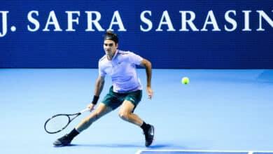 Photo of Federer Sails Past Paire into Basel Quarter Finals