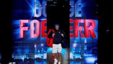 Photo of Federer Overcomes Anderson to Top Group Lleyton Hewitt