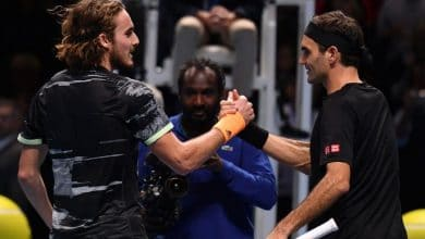 Photo of Tsitsipas Takes Out Federer to Make Final in London