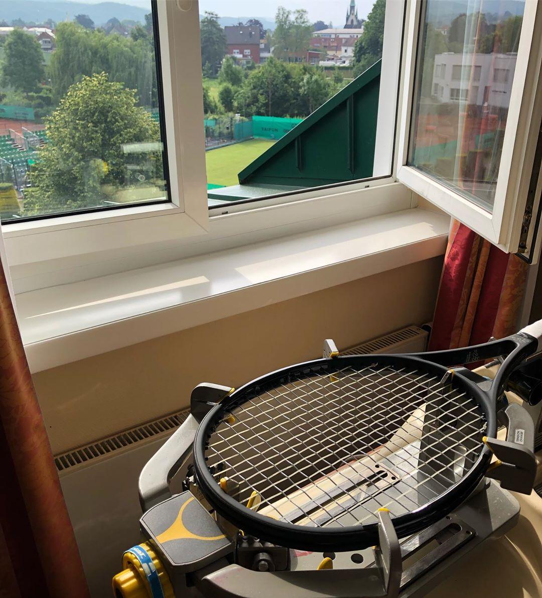 Federer Stringing Machine
