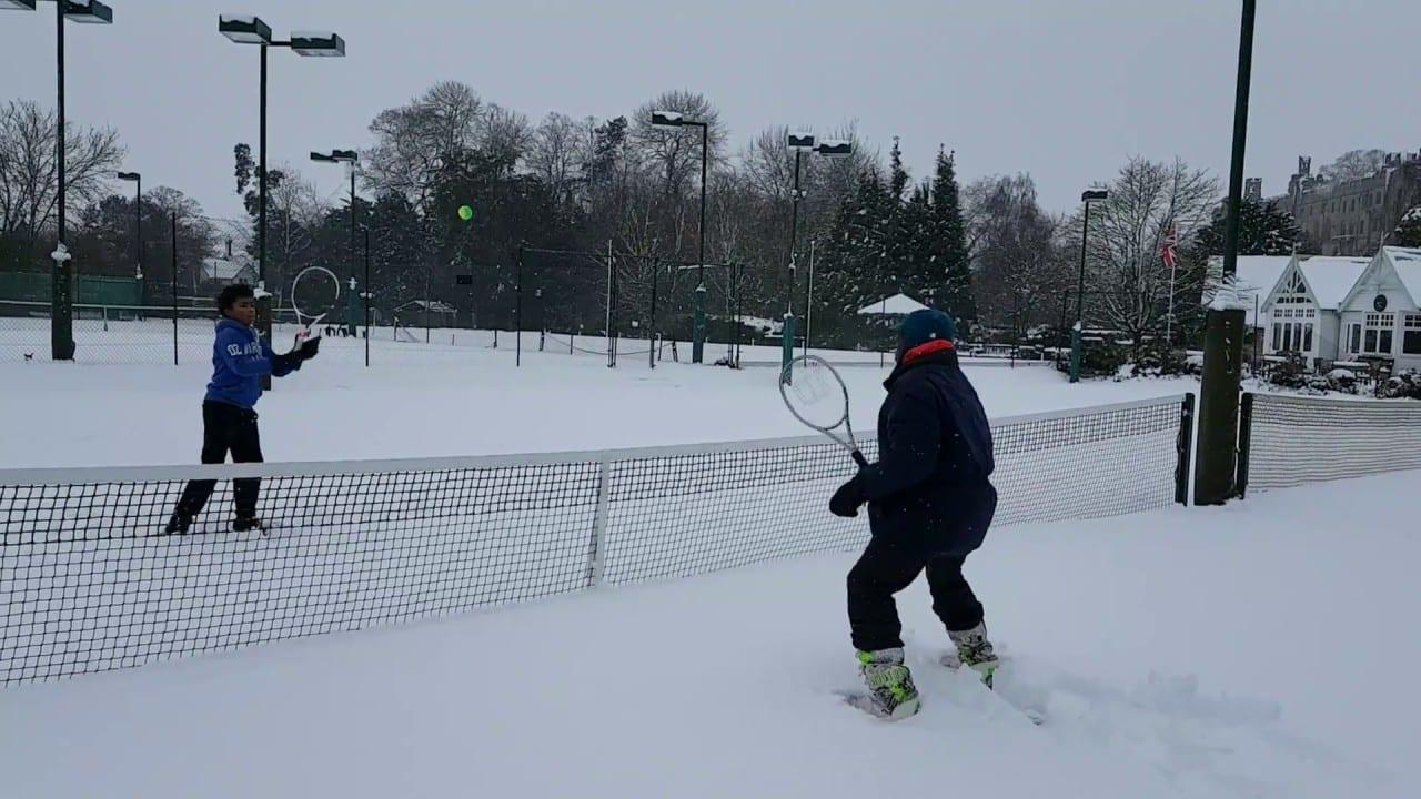 Snow Tennis