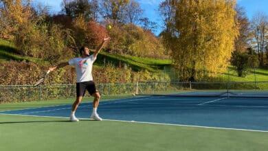 Federer Back Practising