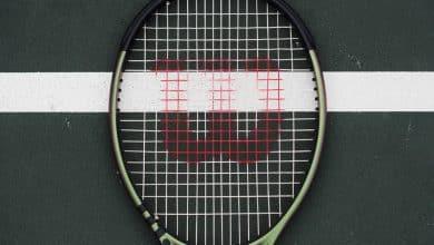 racket or racquet spelling